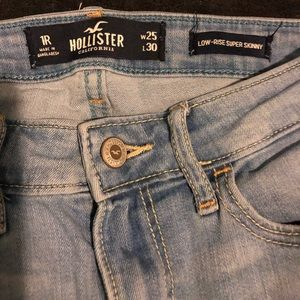 Hollister size 1 / 25 Low Rise Super Skinny jeans